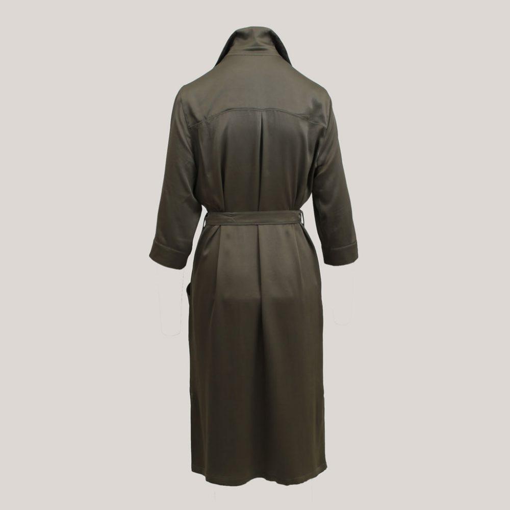 Olijfgroene robe manteau, achteraanzicht