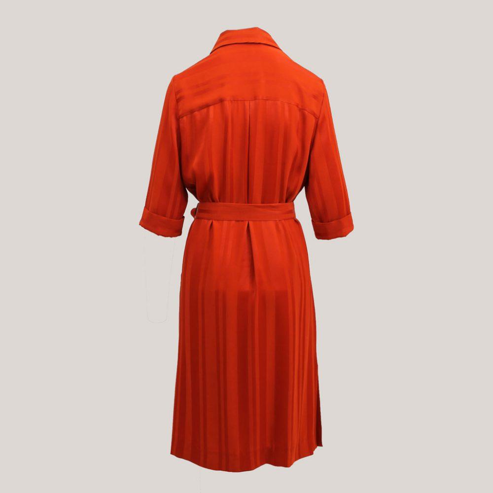 Rode robe manteau, achteraanzicht