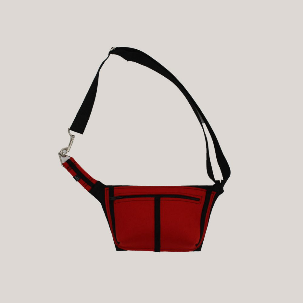 Heuptasje in rood met zwarte streep